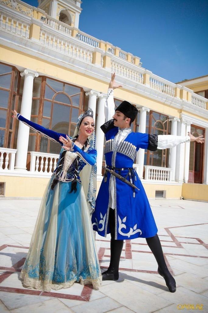 Картинки азербайджанский костюм